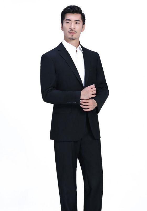 黑色西装搭配需要注意哪些细节?